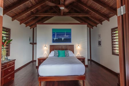 Oceanfront Bungalows at Puerta Azul - Bed & Breakfast