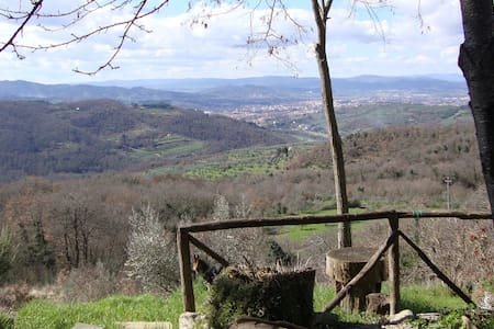 A shelter in the Tuscan countryside - Arezzo - House