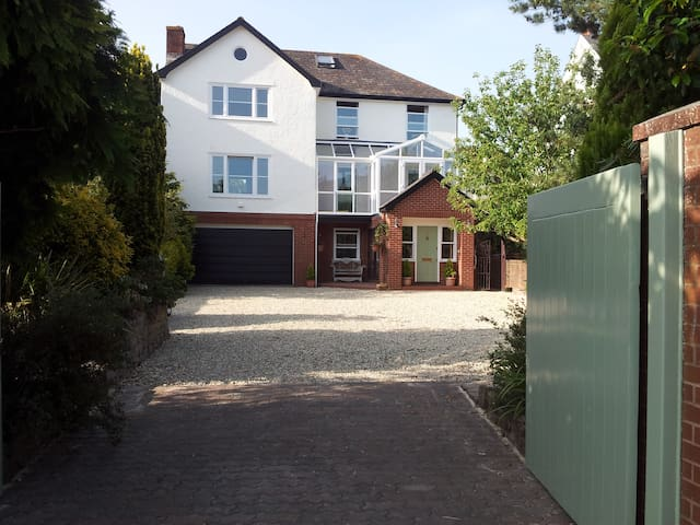 Cranleigh bed breakfast, Exmouth - Exmouth - Bed & Breakfast