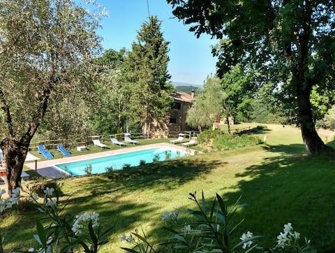 Spektakularny dom rustykalny, basen, klimatyzacja w pobliżu wsi