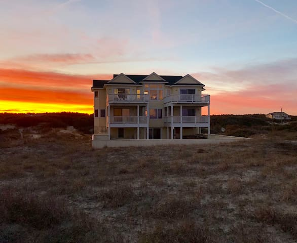 OCEANFRONT,Sleeps 16,Pool,Hot tub,Views&Upgrades