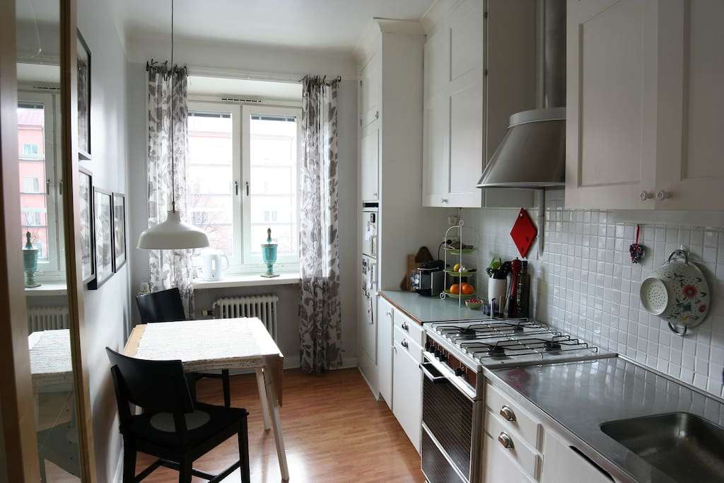 Fully equipped kitchen with room for two