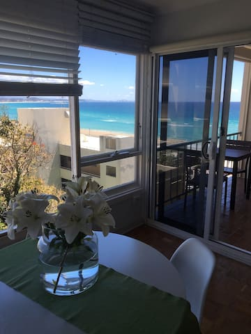 UNINTERRUPTED OCEAN VIEWS SLEEPS 4 - Coolangatta - Byt
