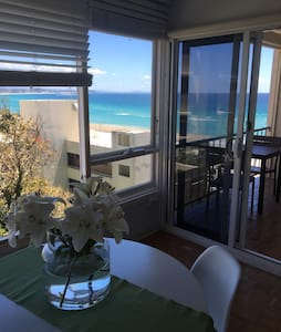 UNINTERRUPTED OCEAN VIEWS SLEEPS 4 - Coolangatta - Wohnung