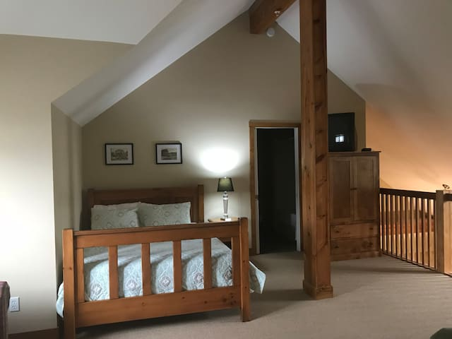 2 bedroom + family condo steps from the chairlift