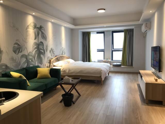房间宽敞明亮,安静且悠然,为您消除旅途的疲惫