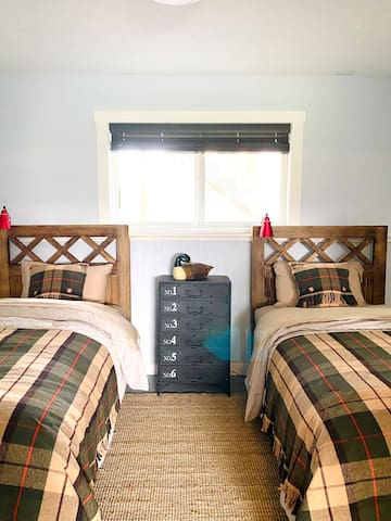 Pendleton Room - 2 twin beds