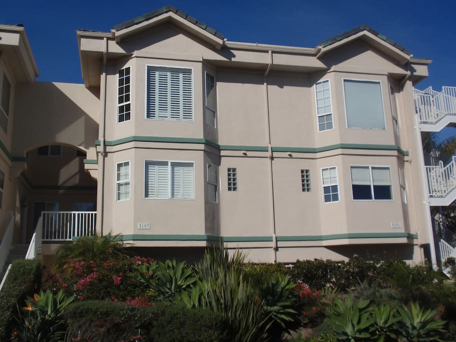 Oxnard Townhouse