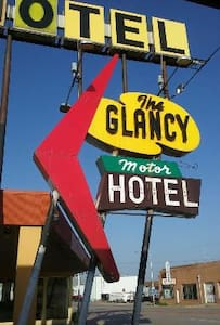 The Glancy On Route 66 - Clinton - Gæstehus