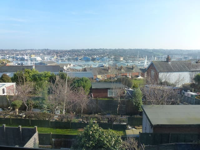 Character Town House, ideal for Cowes Week, - Cowes - Townhouse