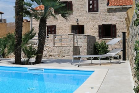 Guardian - Two Bedroom Villa with Swimming Pool