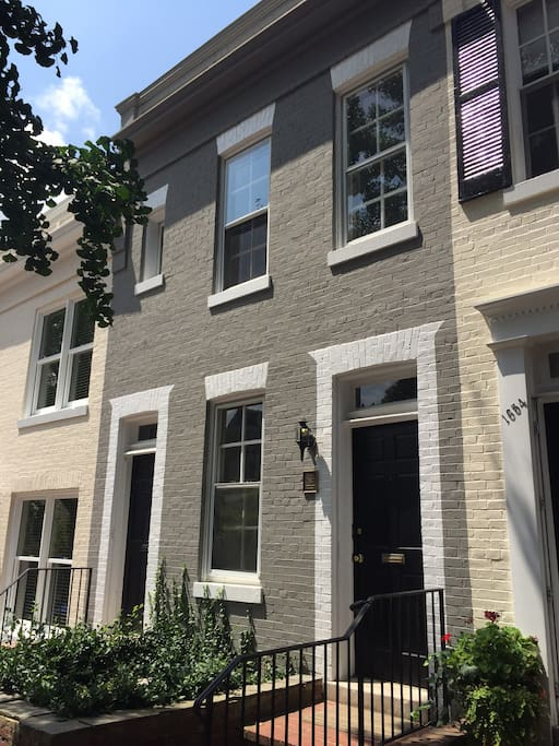Look No Further This Is Your Home Away From Home Apartments For Rent In Georgetown District
