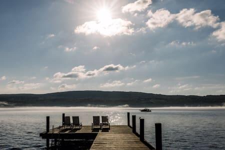 Riley's Retreat Lakefront