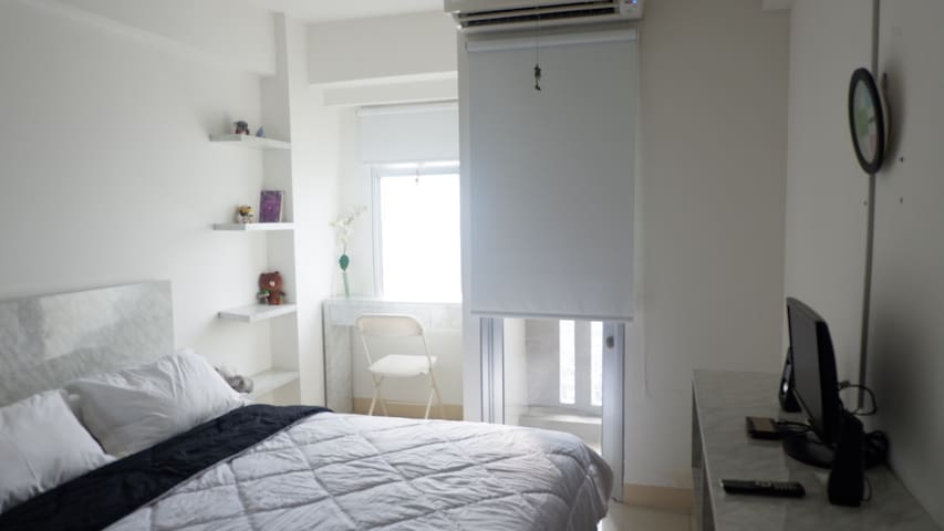 Cozy Studio Apartement (next to  Airport & Mall)