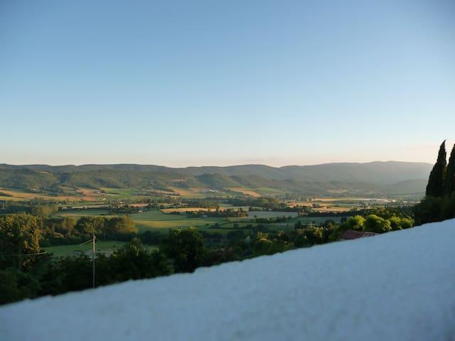 Maison en pierre vue Luberon - Reillanne