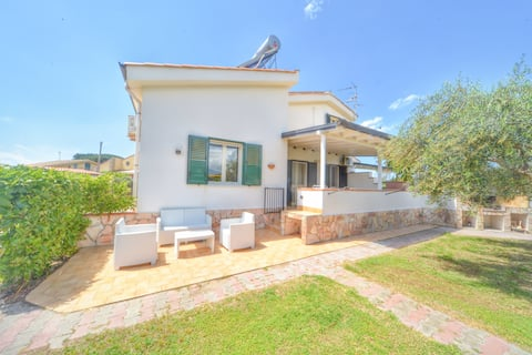 Mare Nostrum Holidays House   RELAX