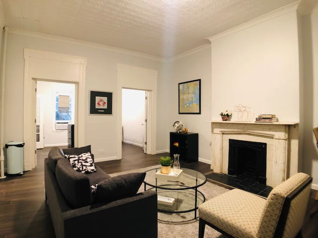 Union Square -Spacious 2 Bed Condo