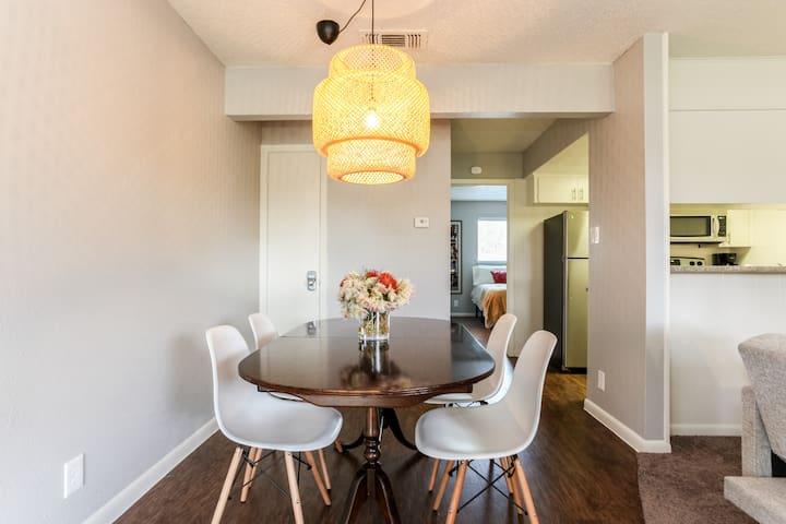 Comfy Vintage Convenient Downtown Burnet District - Austin - Lägenhet