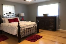 Large Master with Queen Bed