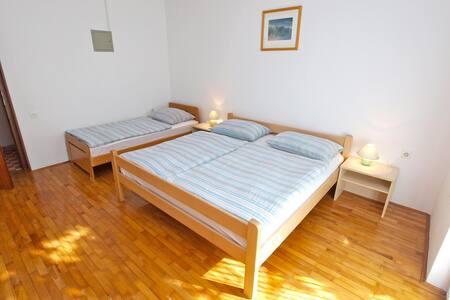 """929""Apartment for 4 people (2199) - Fažana"