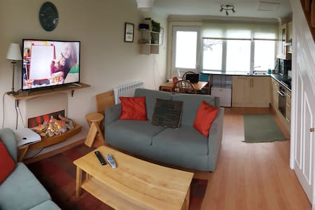 Modern 2 Bed Beachside Holiday Home - Freshwater East