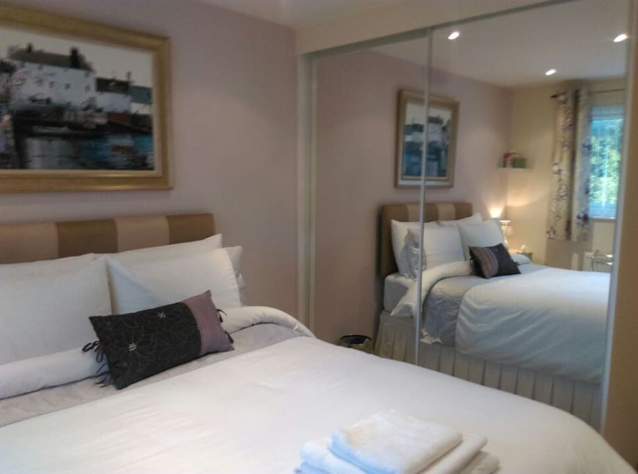 Whiteley Rooms To Rent