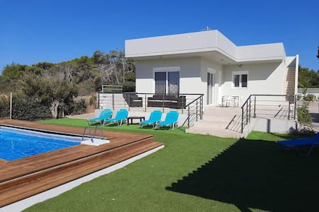 Villa Anthony in South Rhodes-Plimmiri(4 to 6 pax)