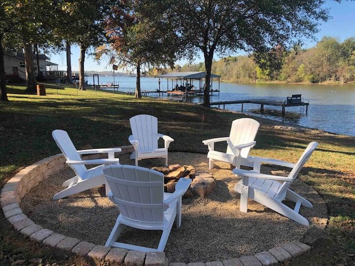 Lake Retreat/ Boat, Fish, Golf, Kayak, Relax, Shop