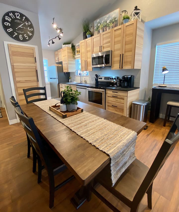 🍀ALL NEW LAKEVIEW CONDO Next to Silver Dollar City