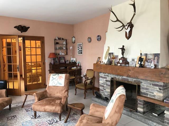Maison familiale traditionnelle proche Compiègne