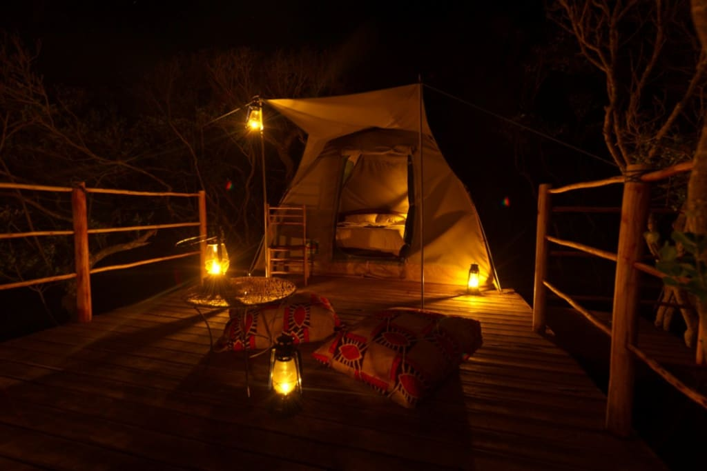 2 persons tent at night