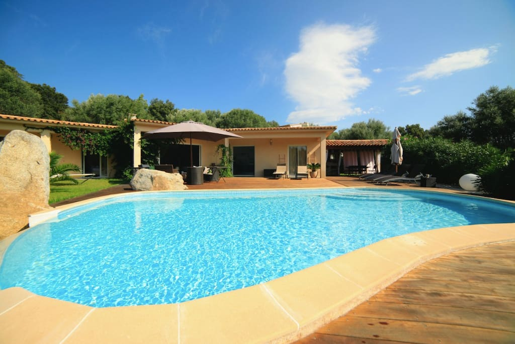 villa r cente porto vecchio avec piscine et clim houses for rent in porto vecchio corsica france. Black Bedroom Furniture Sets. Home Design Ideas