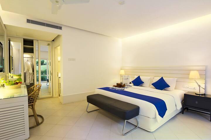 Nongsa Point Marina ~ Junior Suite Room