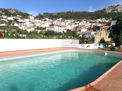 Villa avec piscine dans les colline