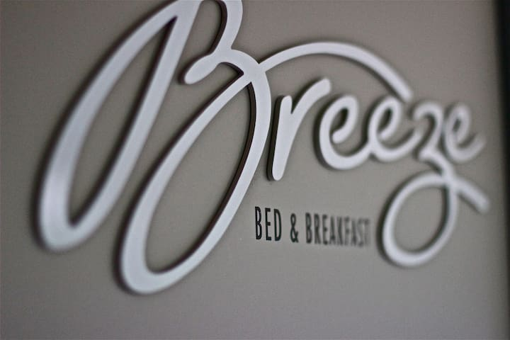 Breezebedandbreakfast, King & Queen - Bateau Bay