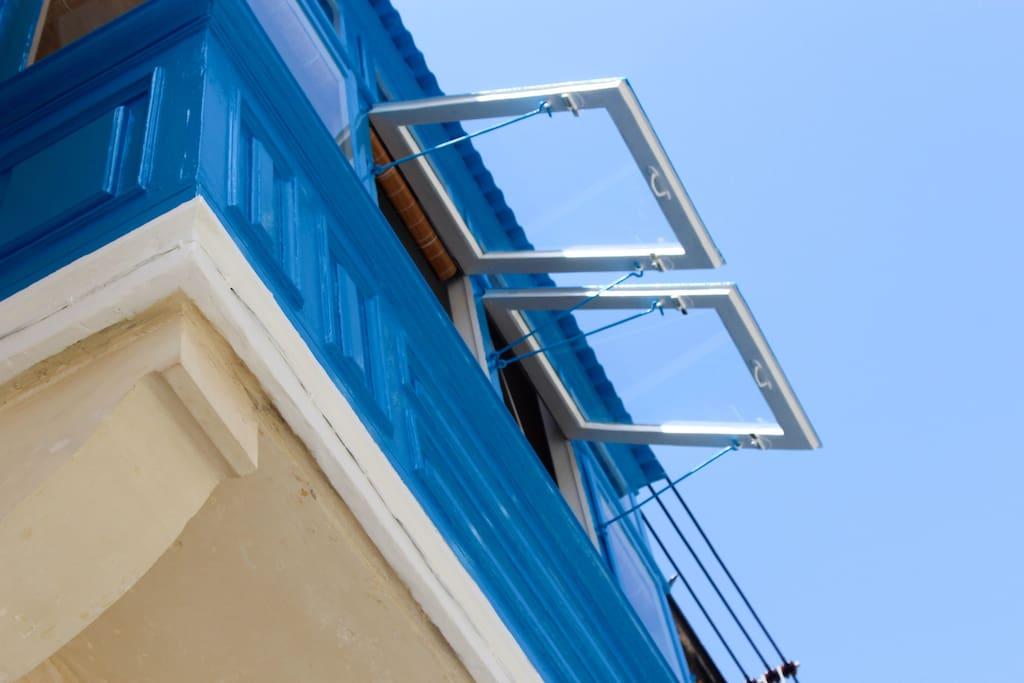 Maltese wood balcony