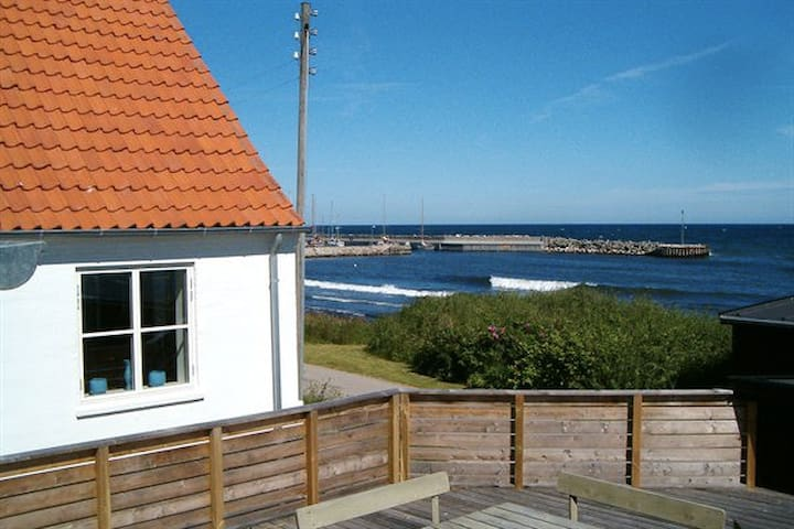Cottage 10 meters from the beach - Sjællands Odde