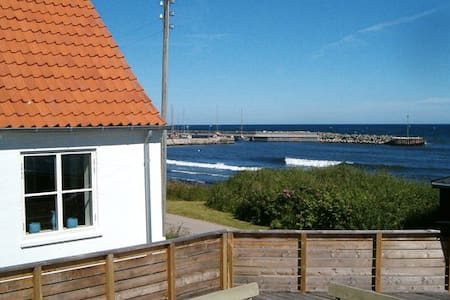 Cottage 10 meters from the beach - Sjællands Odde - 独立屋