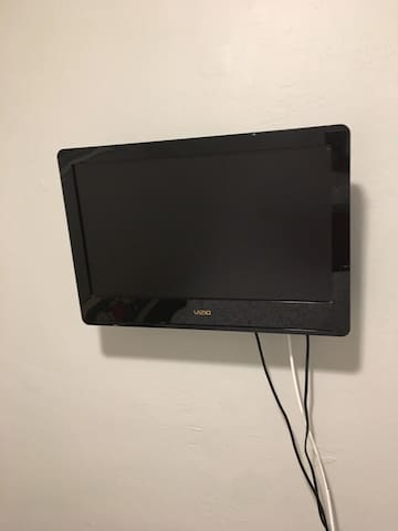 Flatscreen TV with cable from DirecTV with Showtime channels