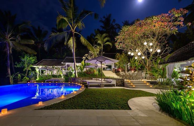 La Balian 8 bedroom whole villa - Tabanan