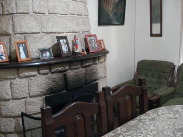 alquil habitación en casa de famlia - cosquín