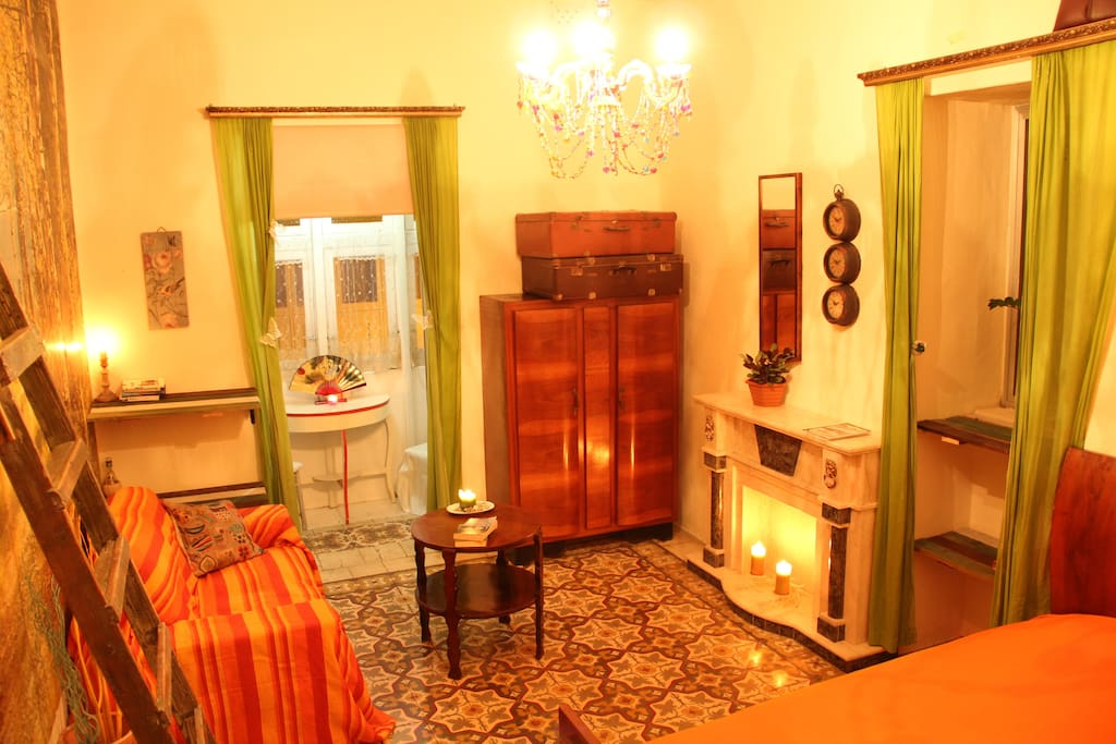 Big double bedroom with pretty Maltese balcony for your private use :)