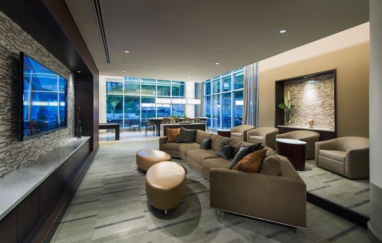 Entire Luxury Apartment at Tyson's - Tysons - Apartemen