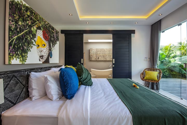 One of the 4 bedrooms of the property