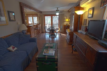 REAL B&B! Jay Peak Lodge Suite - Montgomery Center