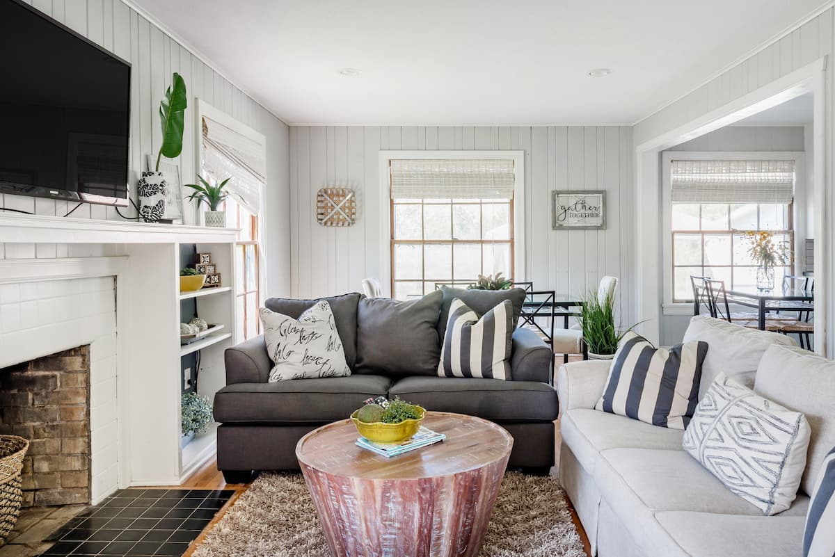 Charming Family-Friendly House Blocks From Texas A&M