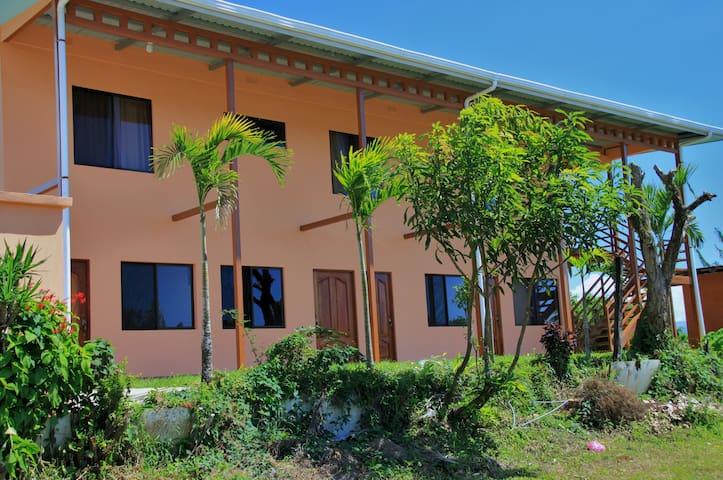 Vistas del Lago Apartments - Nuevo Arenal - Apartmen