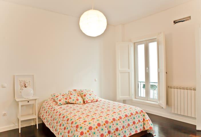 Modern flat in Bairro Alto /Chiado