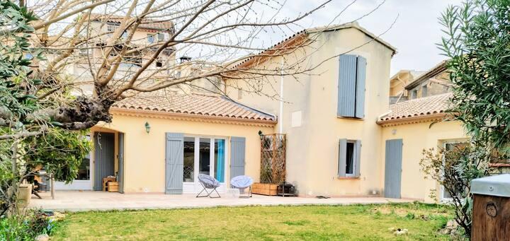 Maison avec jardin centre de Châteauneuf du pape