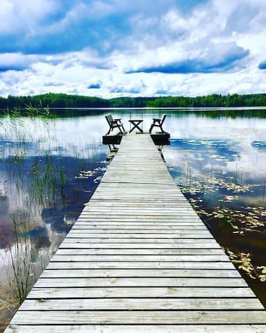 Lake Side Lodge with private beach, dock and sauna